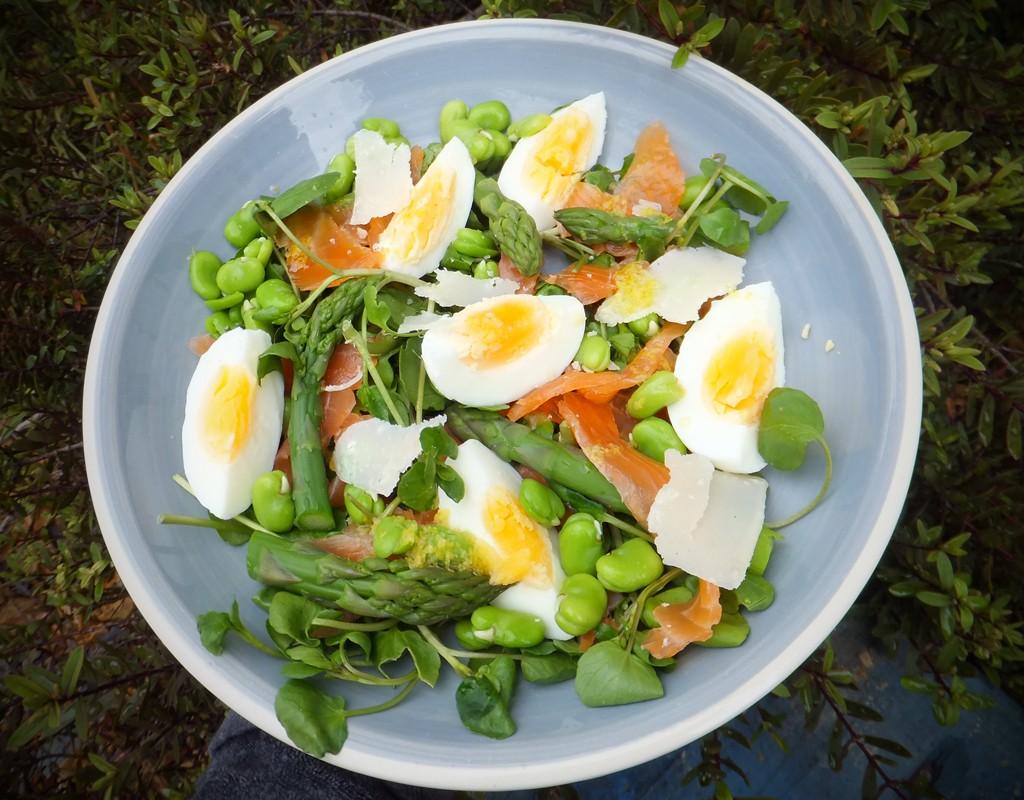 Smoked salmon and egg salad - CookTogether