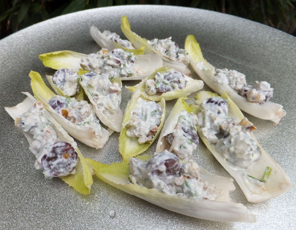 Chicory and blue cheese bites - CookTogether