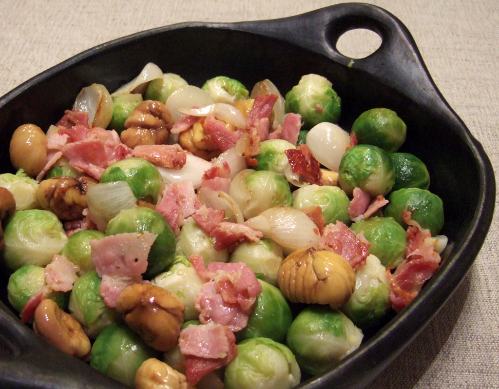 Brussels sprouts with bacon and chestnuts - CookTogether