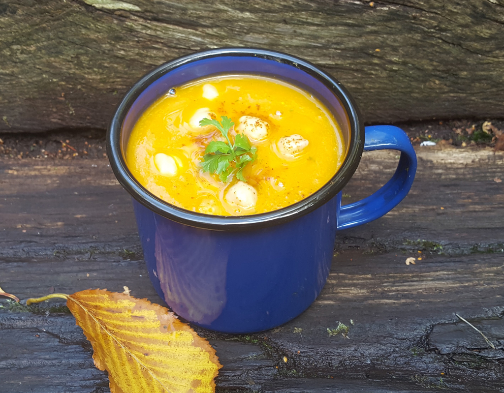 Spiced Butternut Squash and Chickpeas Soup