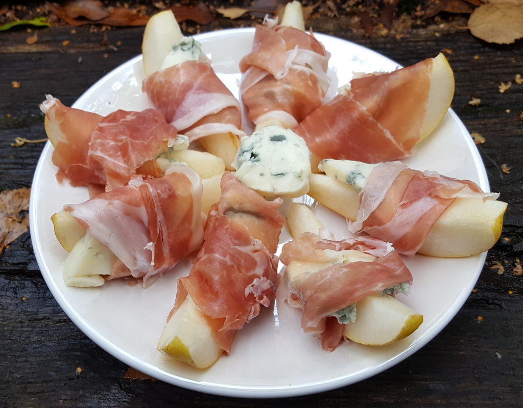 Pear and Gorgonzola bites wrapped in Prosciutto